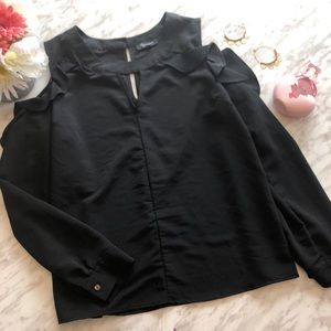✨2 for 25✨ Lily Morgan black ruffle blouse size L